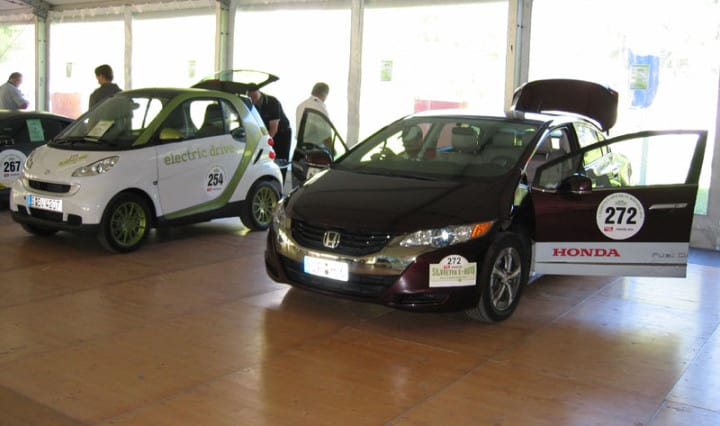 Stimmung am 1. Tag Silvretta E-Rallye 12