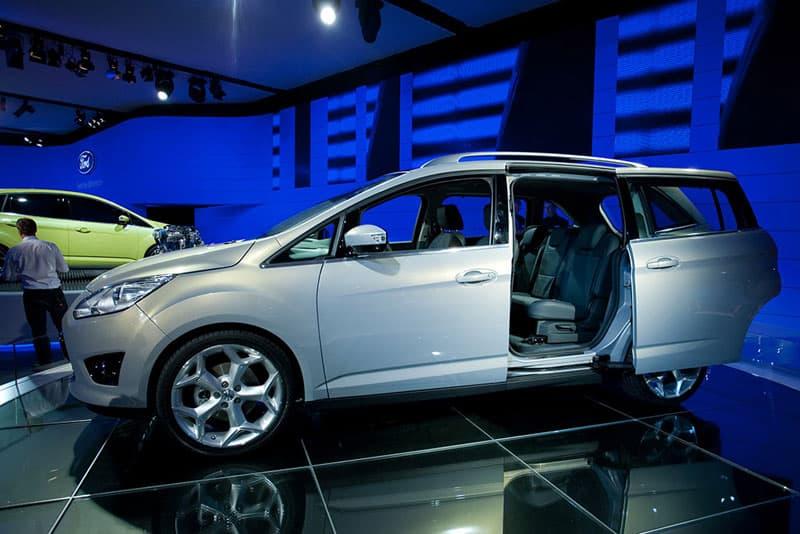 Gunnar Herrmann im Interview Paris Motor Show - Ford C-Car Line Director 4