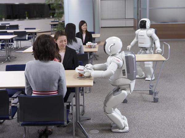 Türchen 18 - Roboter Asimo spielt Fußball und tanzt 1