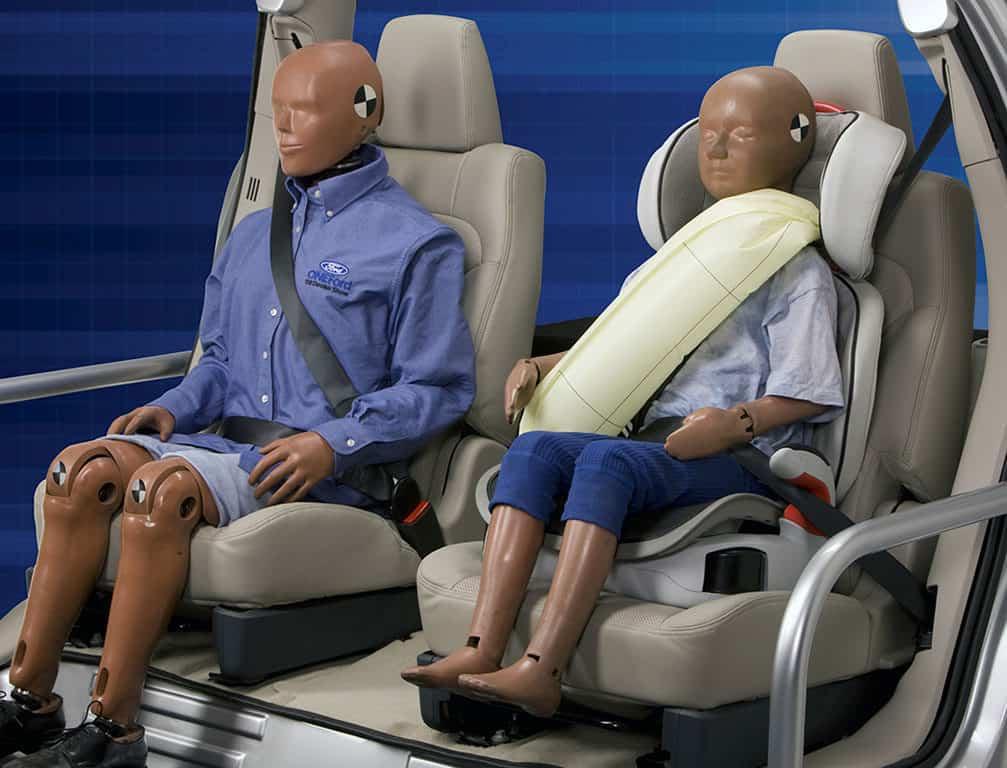 Ford: Gurt-Airbag für Fondpassagiere - mit Video-Vorführung 1