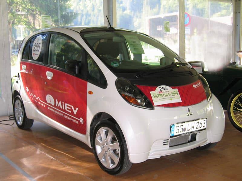 E-Auto unter Strom