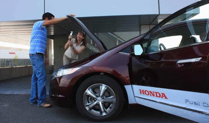 Honda FCX Clarity, ein Wasserstoffauto, das die Tankstellen noch suchen muss 10