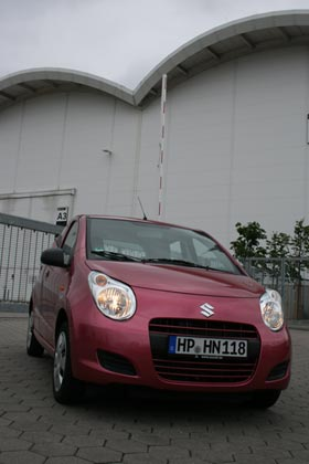 Suzuki swift black white den Splash  12