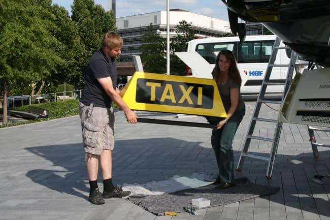 Hallo Taxi! Wenn es etwas größer sein darf: Actros 8