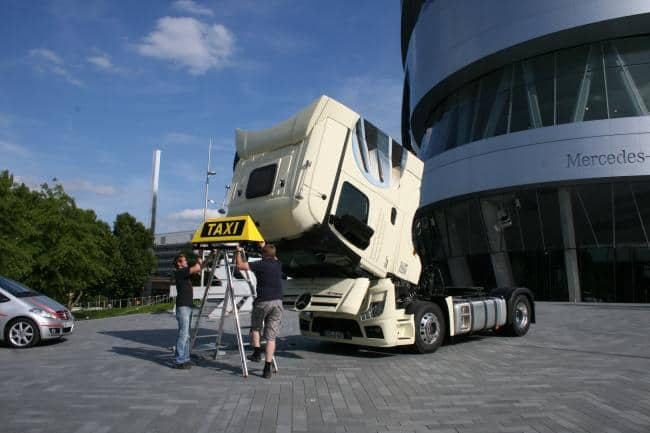 Hallo Taxi! Wenn es etwas größer sein darf: Actros 9