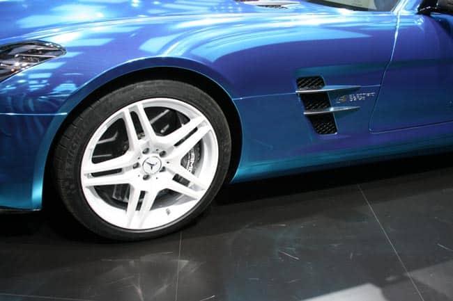Der blaue Elektro-Blitz mit Stern - SLS AMG Coupé Electric Drive geht in Serie 3