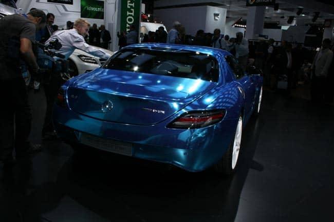 Der blaue Elektro-Blitz mit Stern - SLS AMG Coupé Electric Drive geht in Serie 5