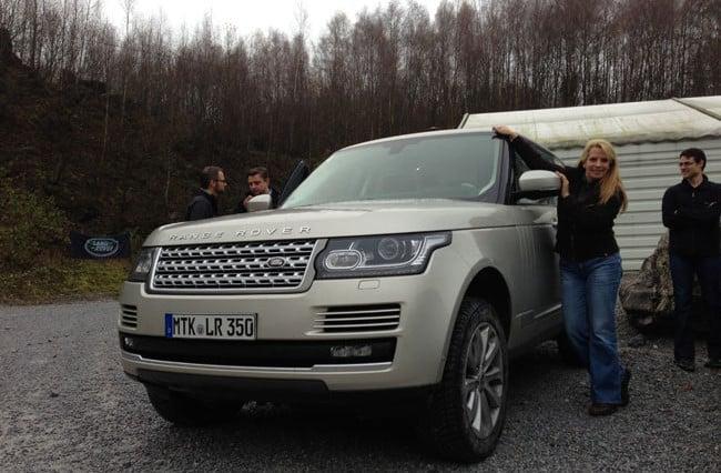 Der Unterschied zwischen einem SUV und einem Geländewagen (Land Rover) zeigt sich im Gelände 5