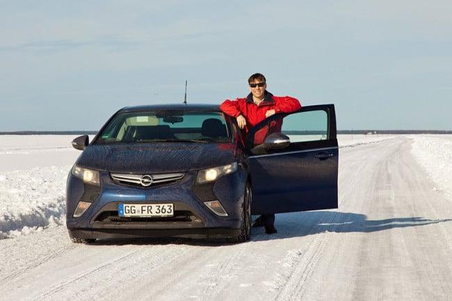 Opel Ampera Ice Road Drive - Vicente von Auto-Bild Spanien