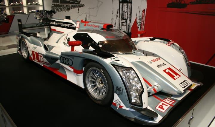 Infosplitter aus der Audi PK in Le Mans 24 Stunden Rennen 5