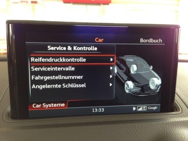 Display der Audi A3 Limousine