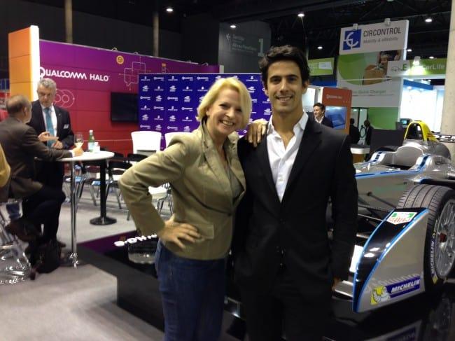 Lucas di Grassi und Auto-Diva vor dem Formula-E Renner