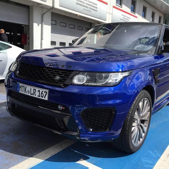 Range Rover Sport SVR auf der Rennstrecke - Autofoto 2