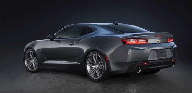 2016-Chevrolet-Camaro-RS-3