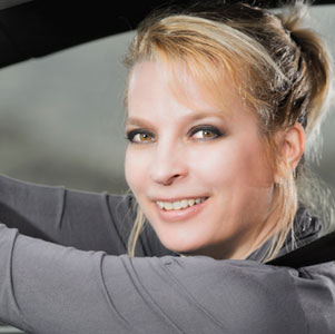 Auto-Diva Nicole Y. Jodeleit