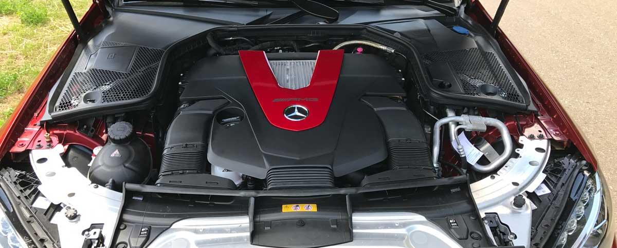 Mercedes AMG C43 - Blick unter die Haube